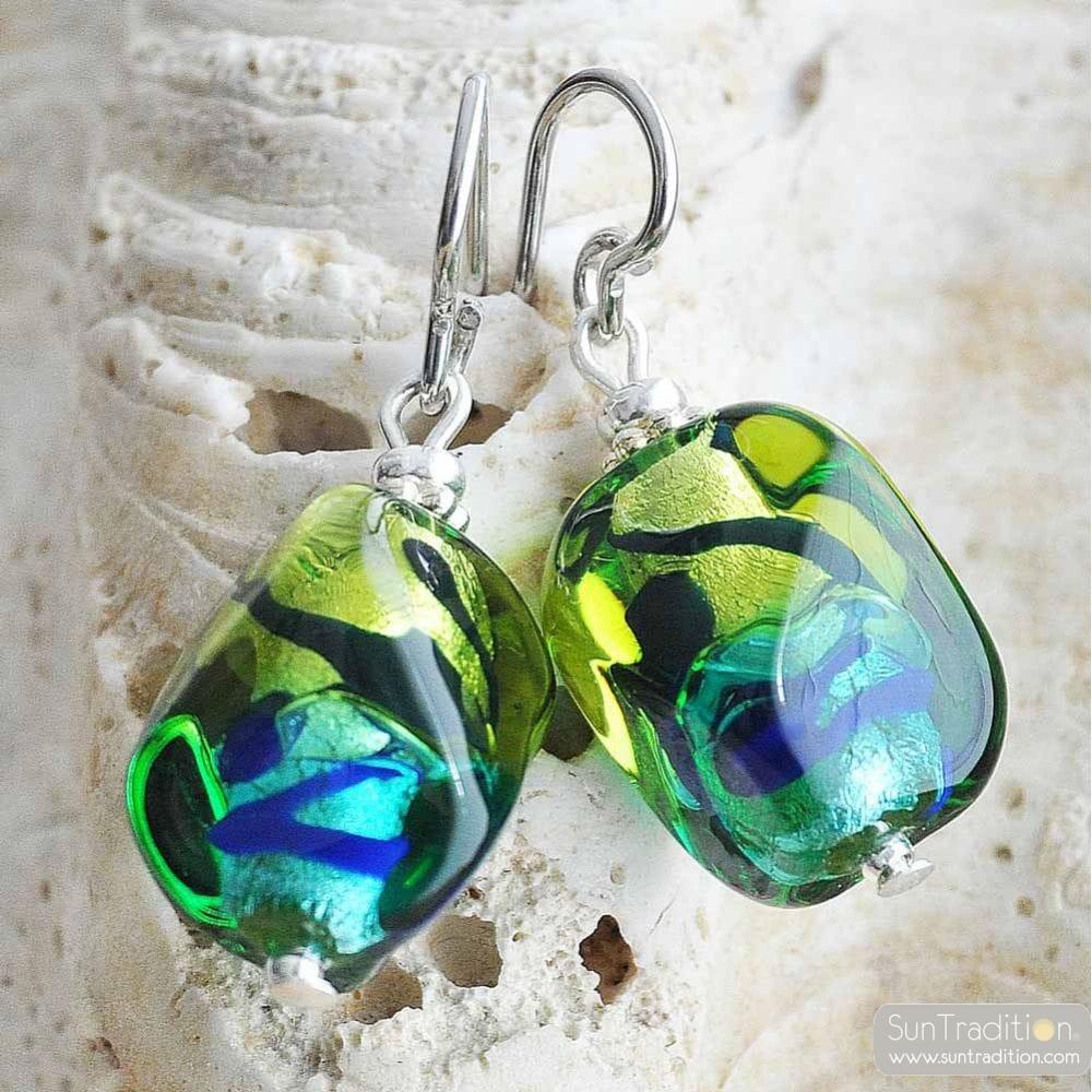 boucles d 39 oreilles en verre de murano vert et bleu sasso bicolore. Black Bedroom Furniture Sets. Home Design Ideas