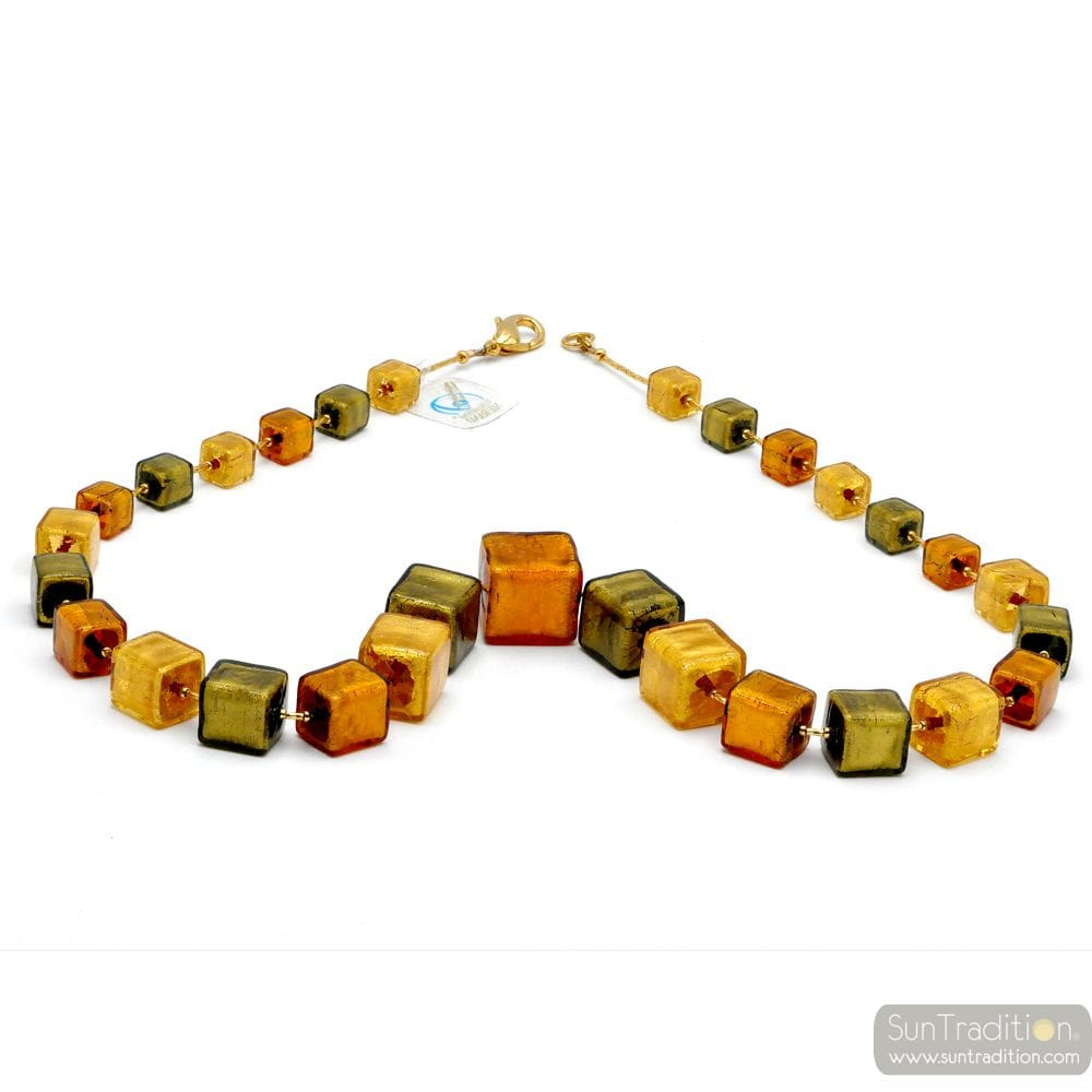 GREEN AND GOLD MURANO GLASS NECKLACE